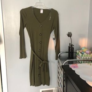 No boundaries long sleeved olive dress L